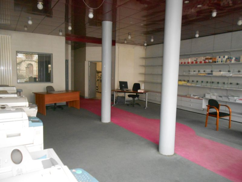 Local commercial Meulan En Yvelines 136 m²